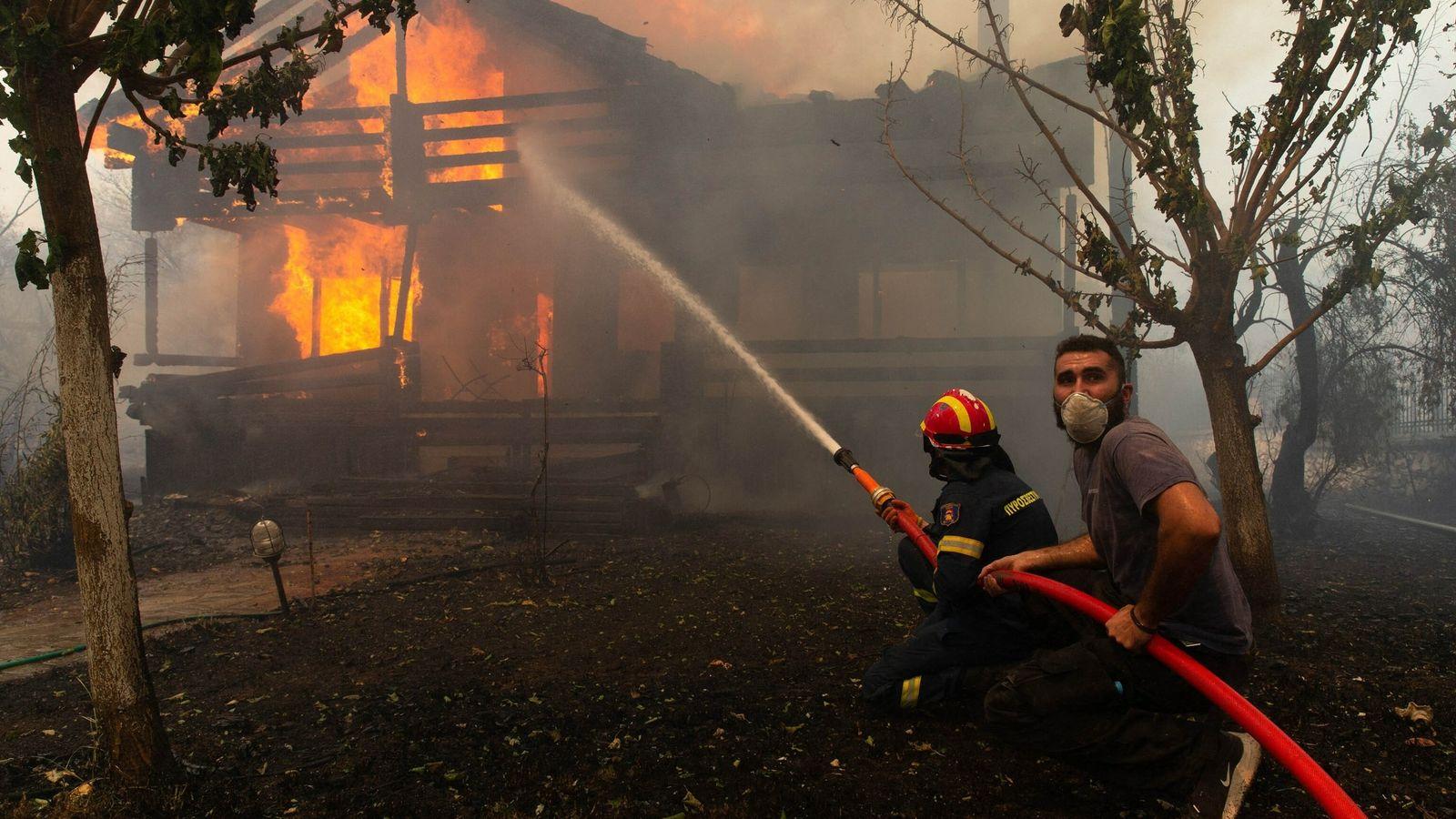Fuego en Afidnas, Grecia