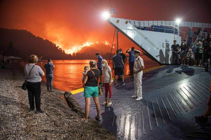Evacuación con un ferry en Grecia