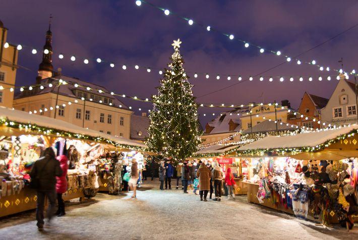 Un mercado navideño en Tallín