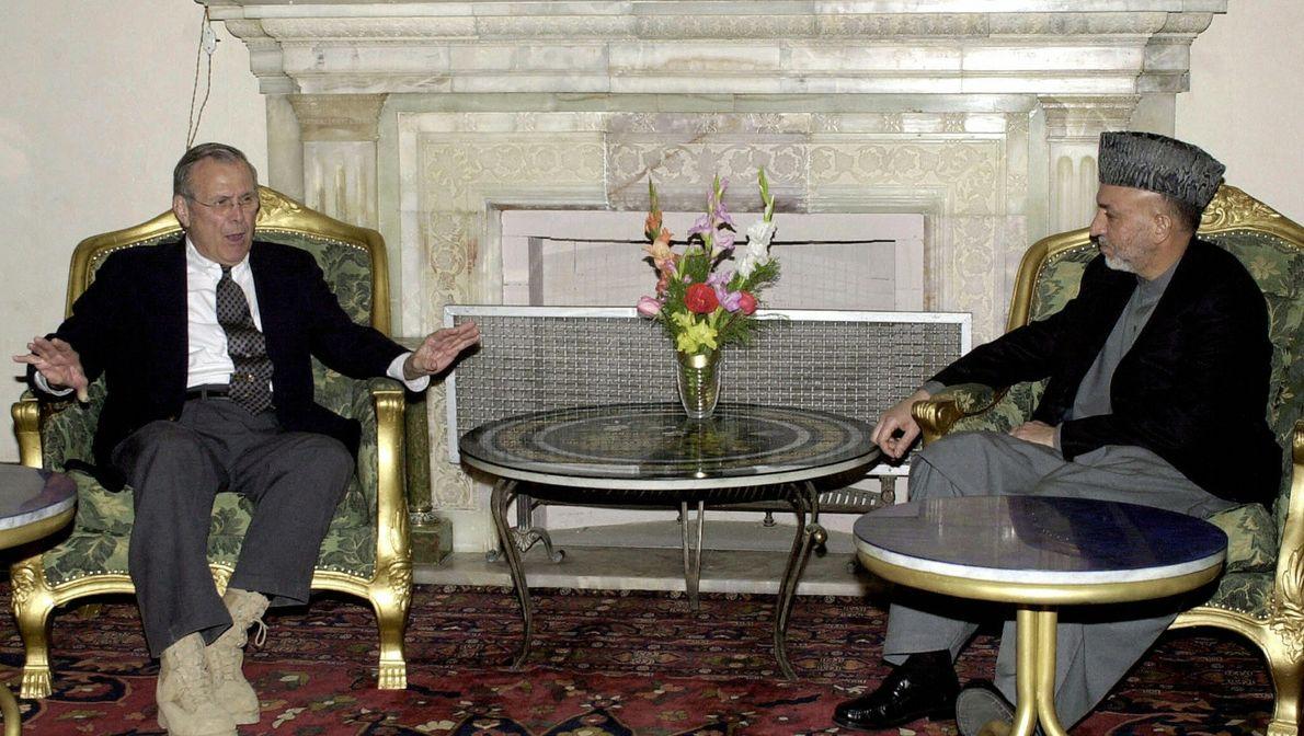 Visita al secretario de Defensa de EE.UU. Donald Rumsfeld