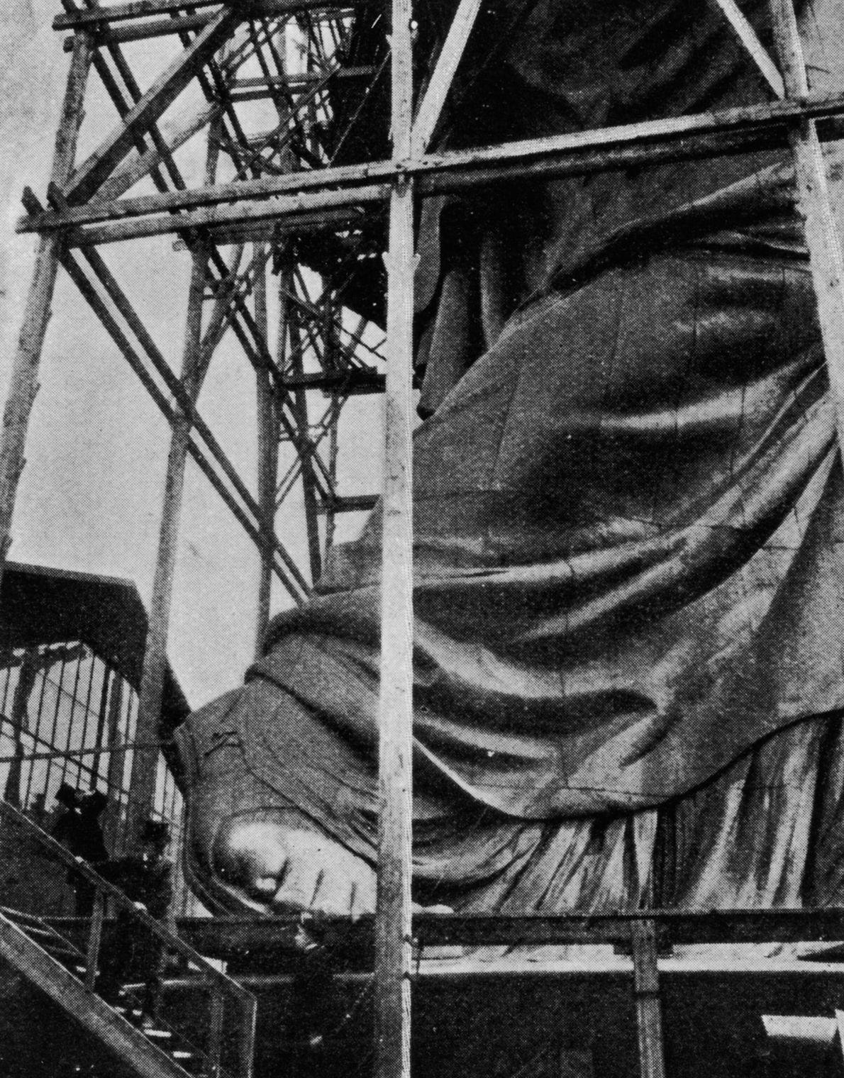 El pie de la Estatua de la Libertad