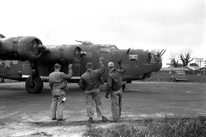 Un B-24 Liberator en misión de bombardeo