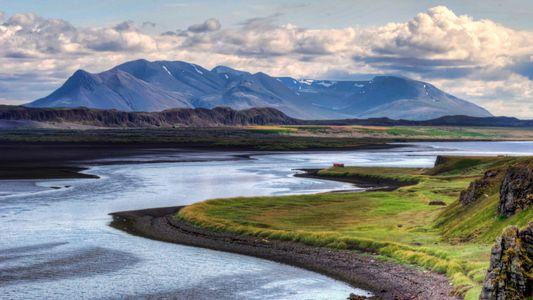 Descubre ballenas, mitos y lagos árticos en la nueva ruta por carretera de Islandia