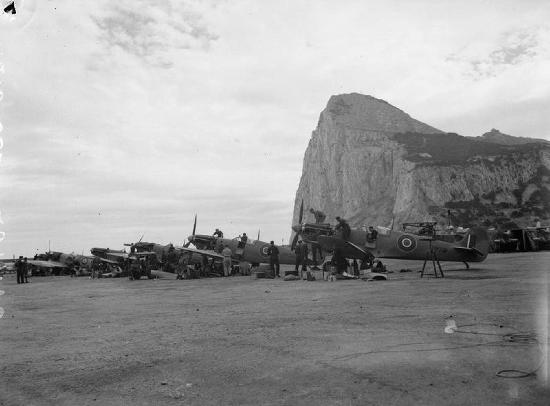 Cazas británicos Supermarine Spitfire  en Gibraltar.
