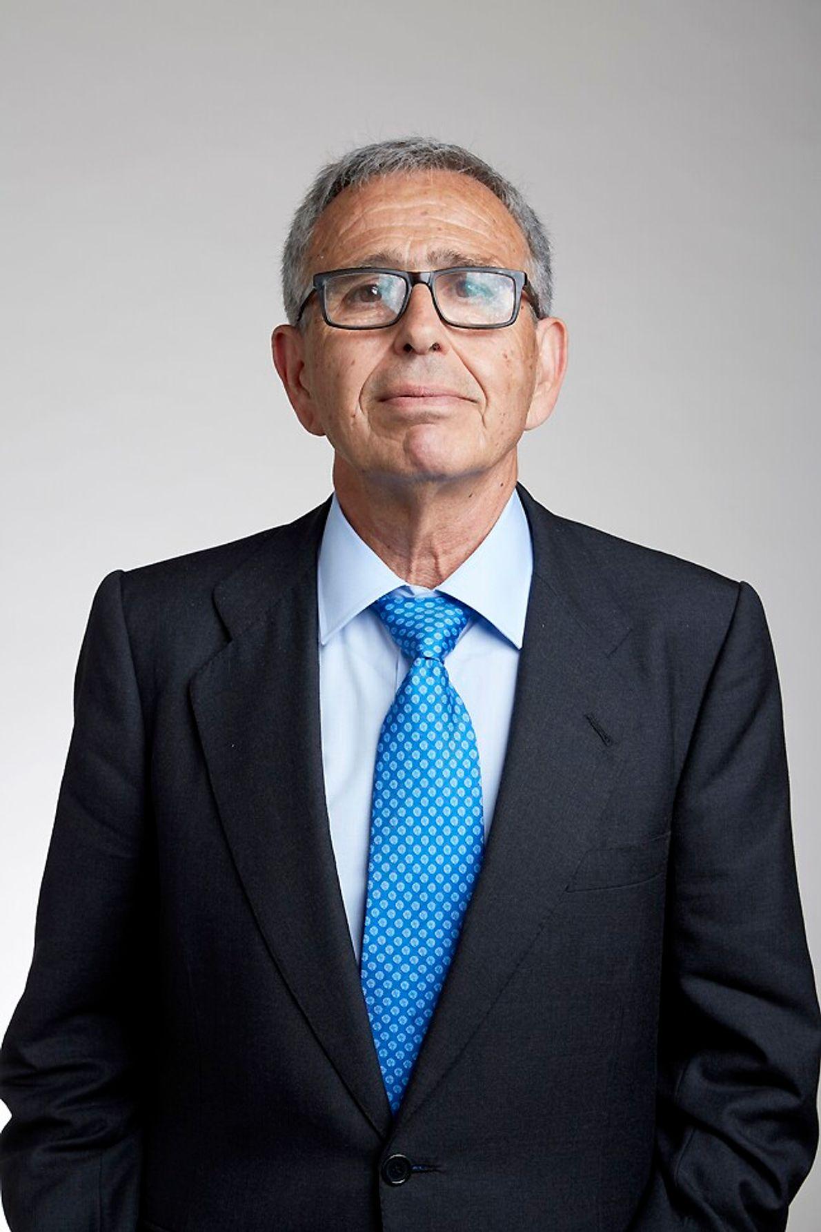 Con más de una decena de premios de reconocimiento a su trabajo científico, Ginés Morata Pérez ...