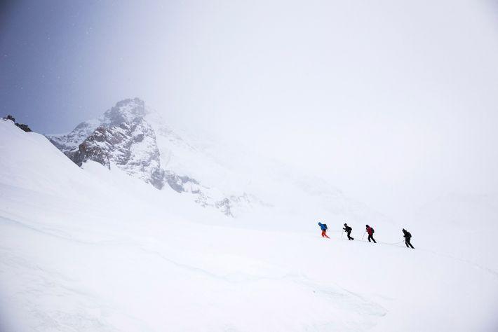 Excursionistas en el glaciar Aletsch