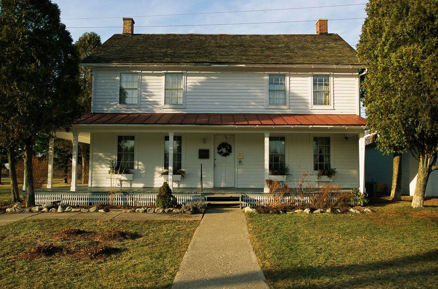 A los 74 años, Tubman compró una propiedad en Auburn, Nueva York, para convertirla en una residencia para los pobres y los ancianos. Con la ayuda de la Iglesia Episcopal Metodista Africana Sion de Auburn, la residencia abrió sus puertas en 1908.