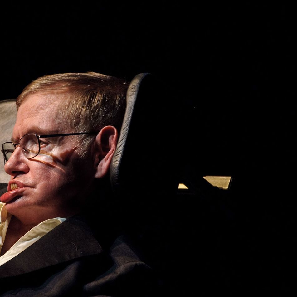 Los momentos más provocadores de Stephen Hawking: de extraterrestres a agujeros negros