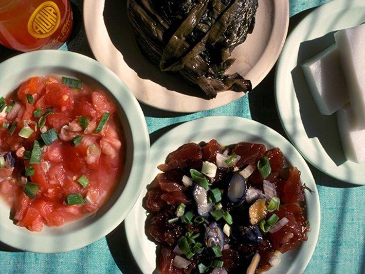 Disfruta de auténtica comida hawaiana en Oahu