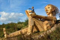 Trol de madera