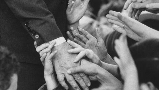 La historia del apretón de manos