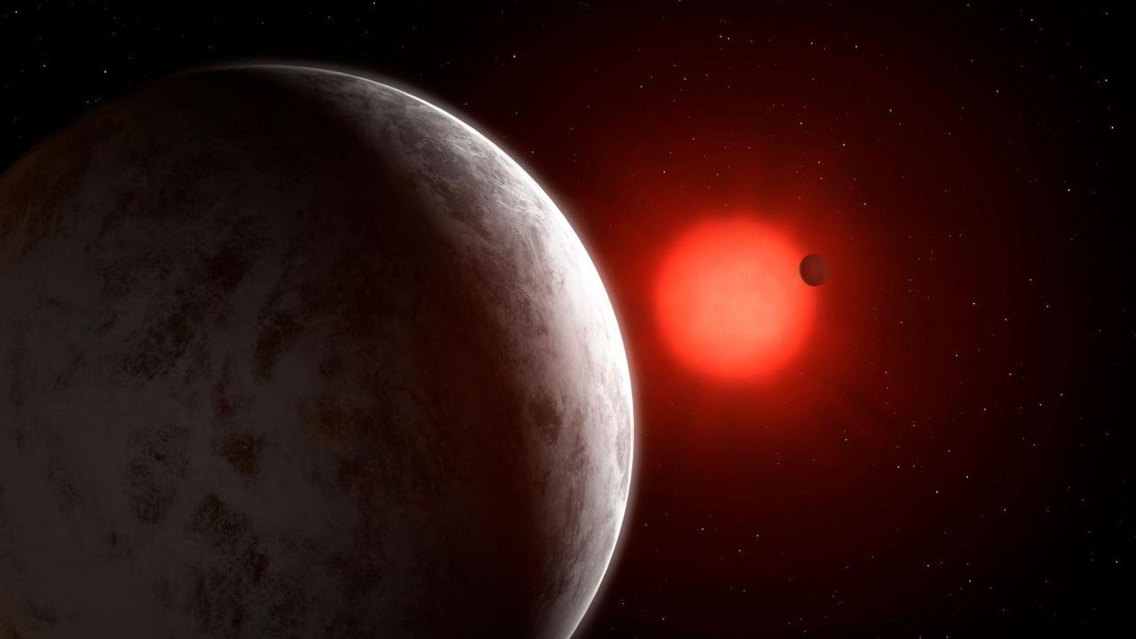 Junto alas dos supertierras, los hallazgos incluyen el posible descubrimiento de un tercer planeta que podría ...