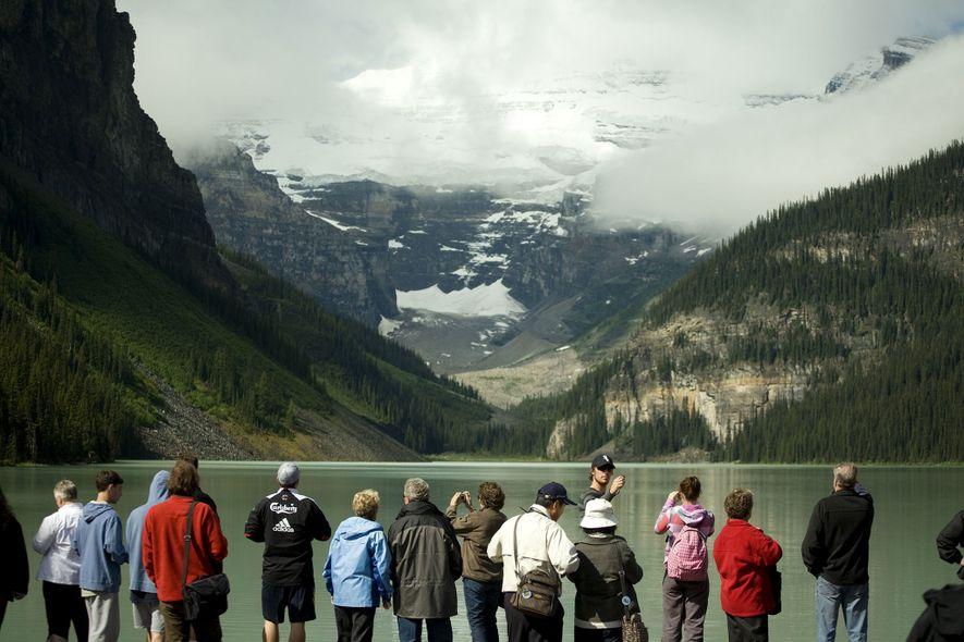 La belleza de Banff es innegable, pero las multitudes también lo son.