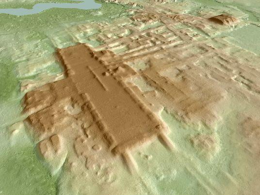 Descubren un complejo ceremonial maya de 3000 años de antigüedad