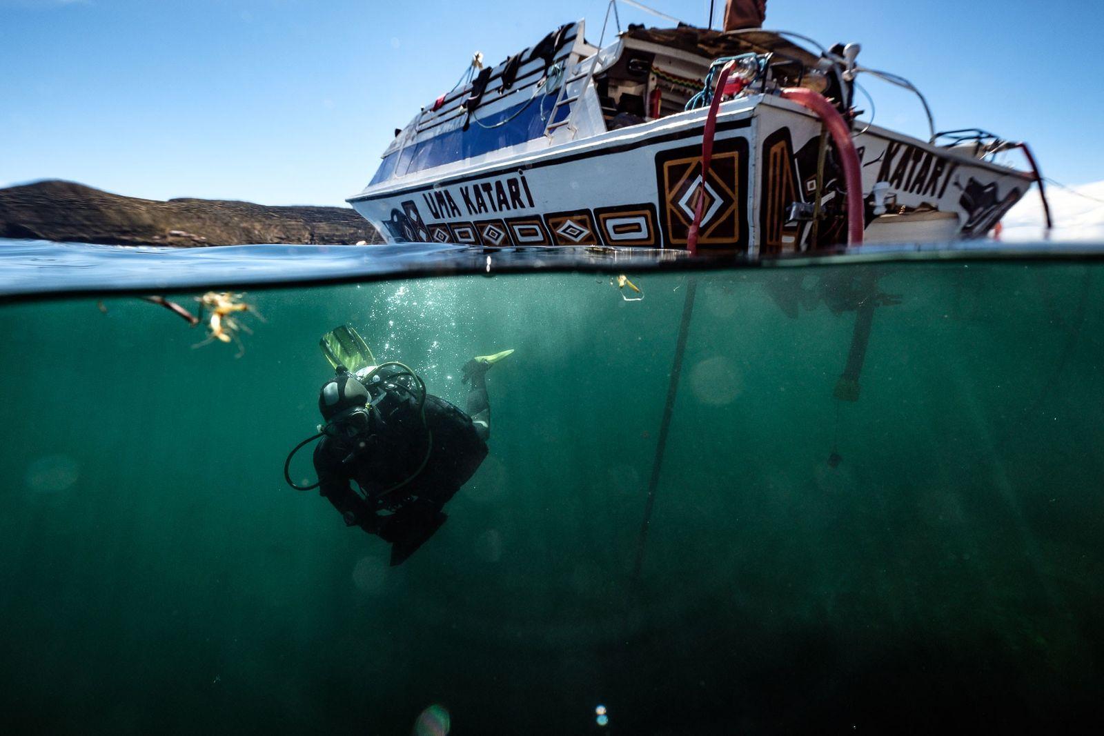 Descubren una antigua ofrenda inca en el lago Titicaca