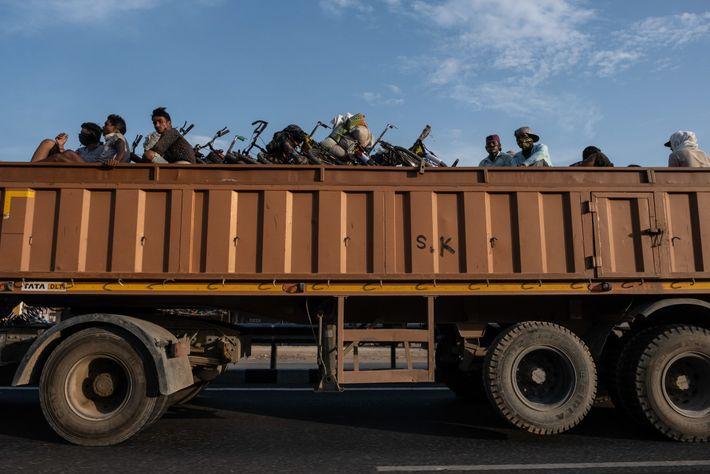 Camión con migrantes