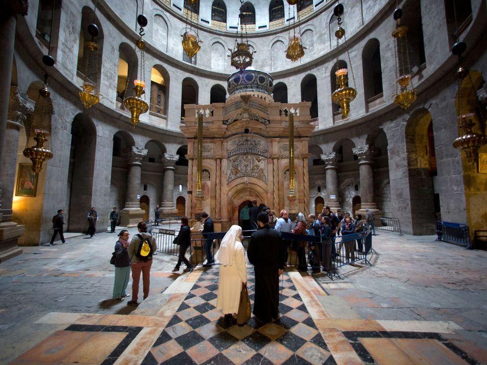 Los trabajos de restauración en la iglesia del Santo Sepulcro