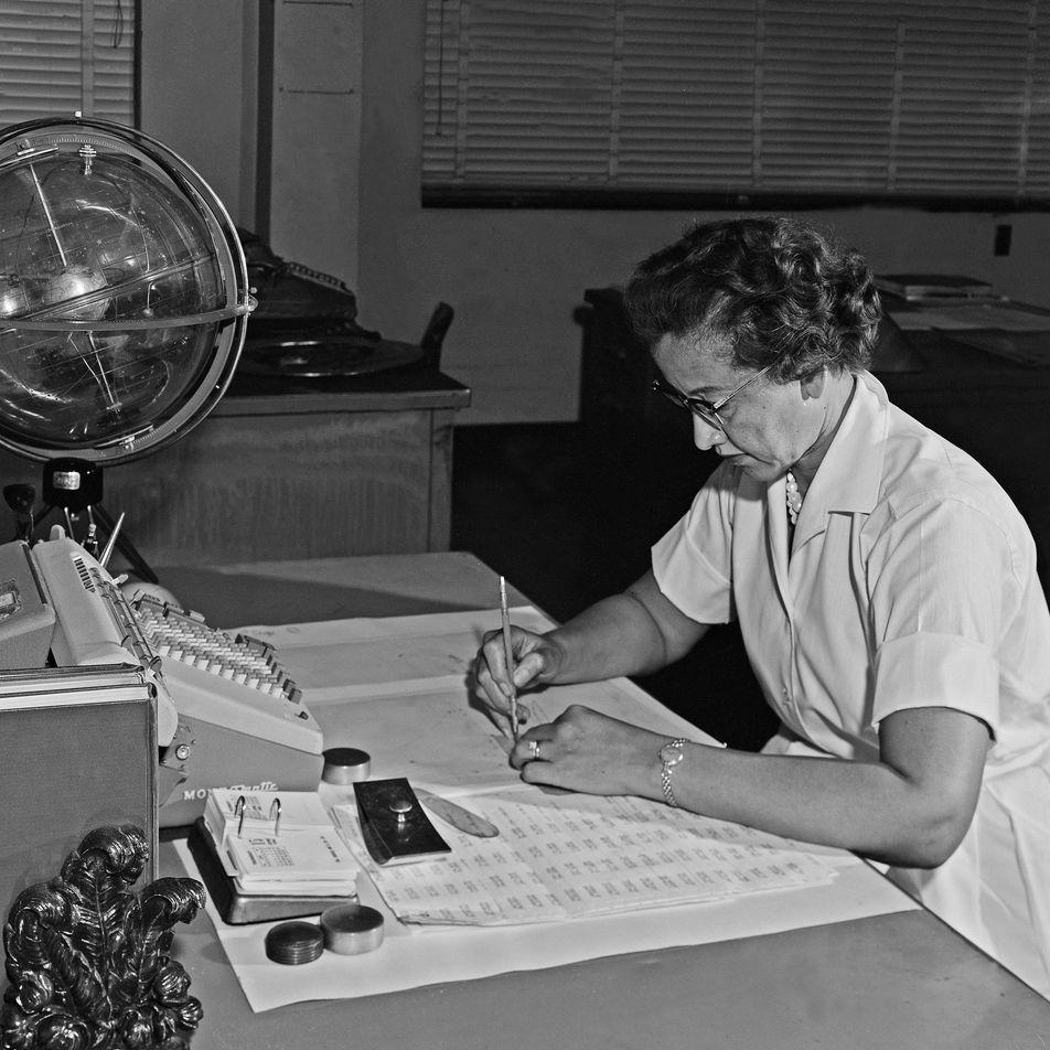 Katherine Johnson, cuya labor fue esencial para llegar a la Luna, gana la medalla Hubbard