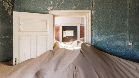 Inquietantes imágenes del interior de una ciudad fantasma de Namibia
