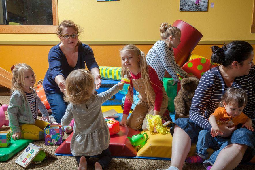 Los niños de la isla Vashon, Washington —donde muchos padres desconfían de los productos químicos—, han ...