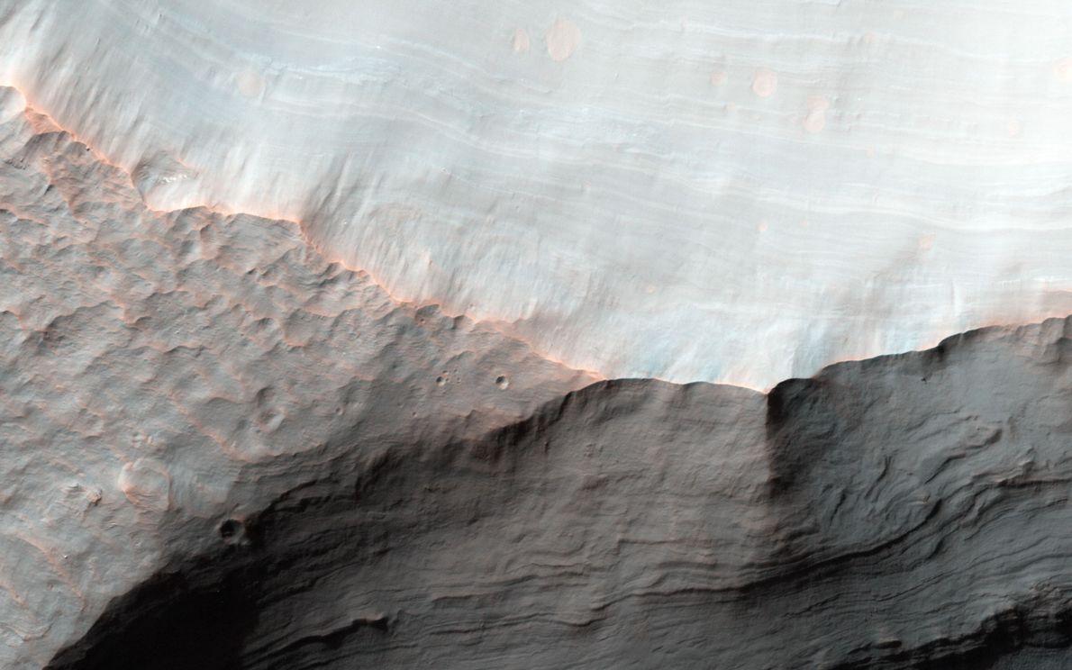 Cráter Saheki