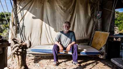 Conoce a Mauro Morandi, el hombre que ha vivido solo durante 32 años en una isla ...