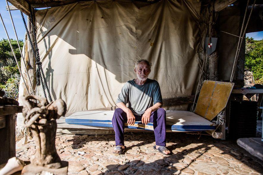 Conoce a Mauro Morandi, el hombre que ha vivido solo durante 31 años en una isla ...
