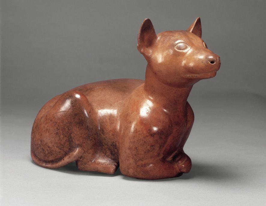 Los recipientes de cerámica en forma de xolos se suelen encontrar en tumbas de 2.000 años ...