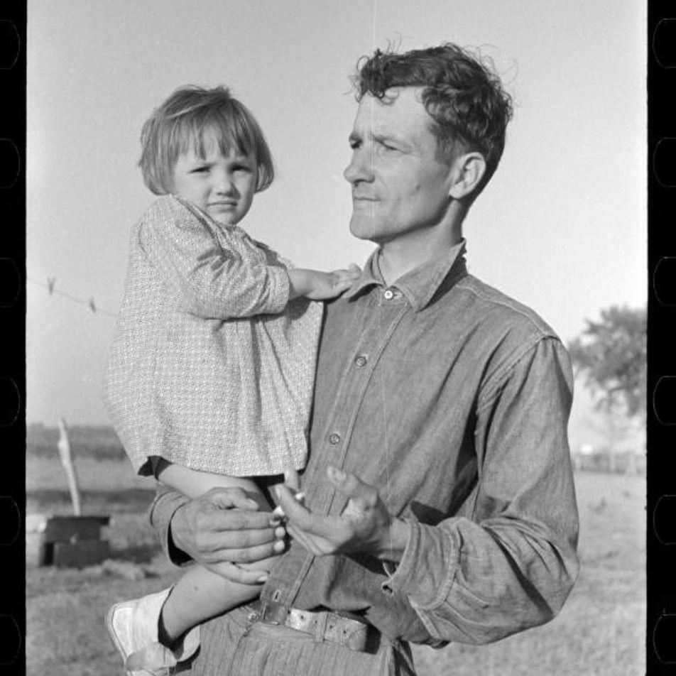 Padres migrantes: los tiernos retratos de la Gran Depresión
