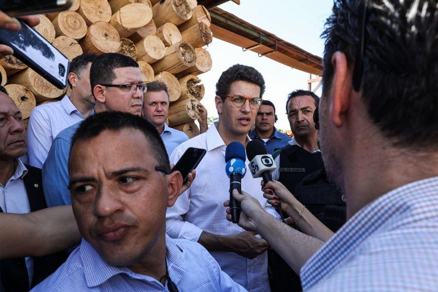 El 17 de julio, horas antes del comienzo de la ofensiva contra el comercio de tala ...