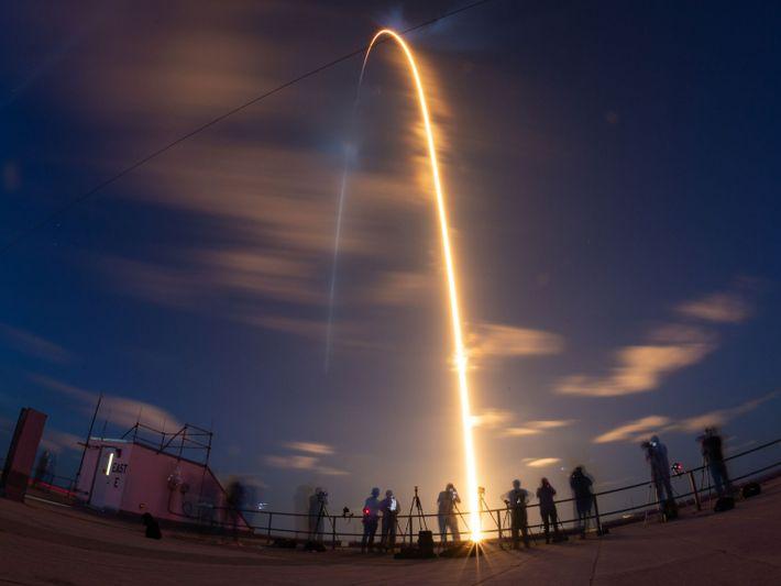 El Falcon 9 en el aire