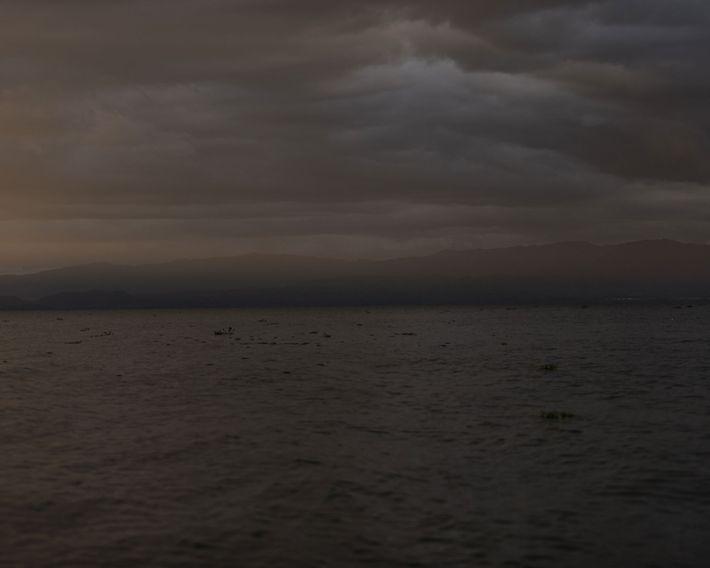 Fotografía de la puesta de sol en el lago Naivasha