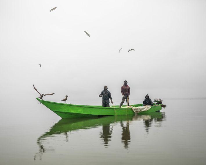 Los pescadores sacan sus redes