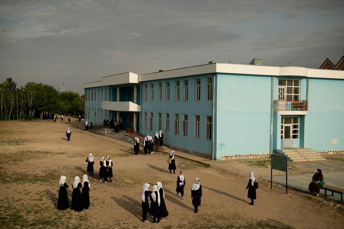 ¿El fin de la escolarización de las niñas?
