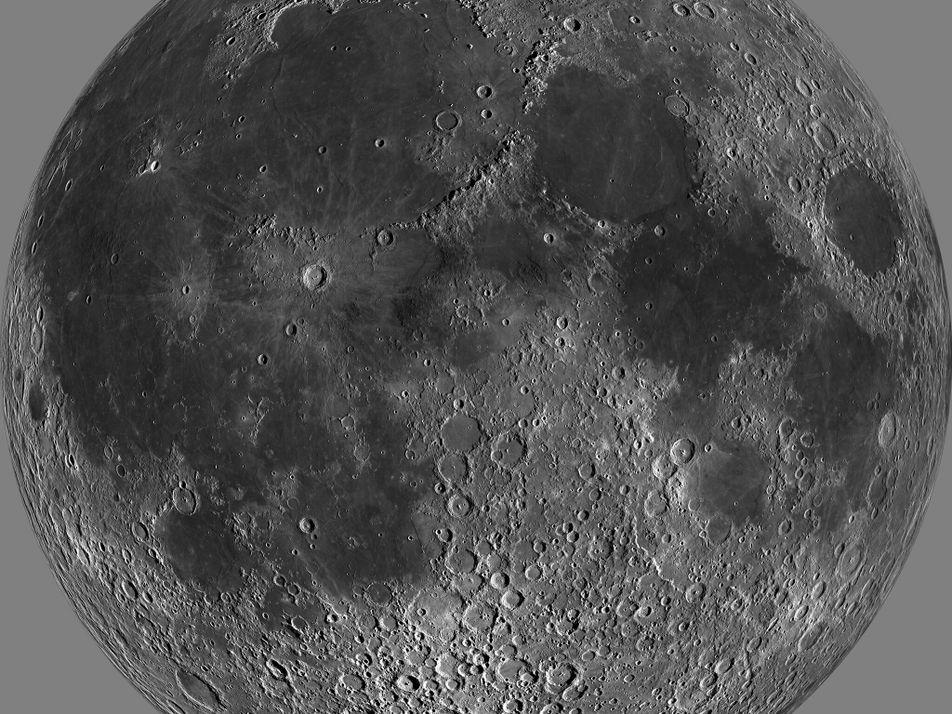El agua en la superficie de la Luna es más abundante de lo que se creía