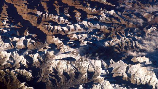 En las profundidades de la Tierra, hay «montañas» más altas que el Everest
