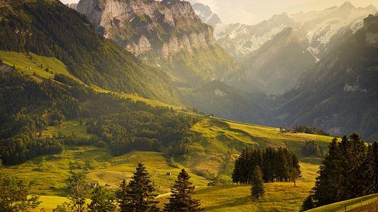 Damos la vuelta al mundo con majestuosos paisajes montañosos