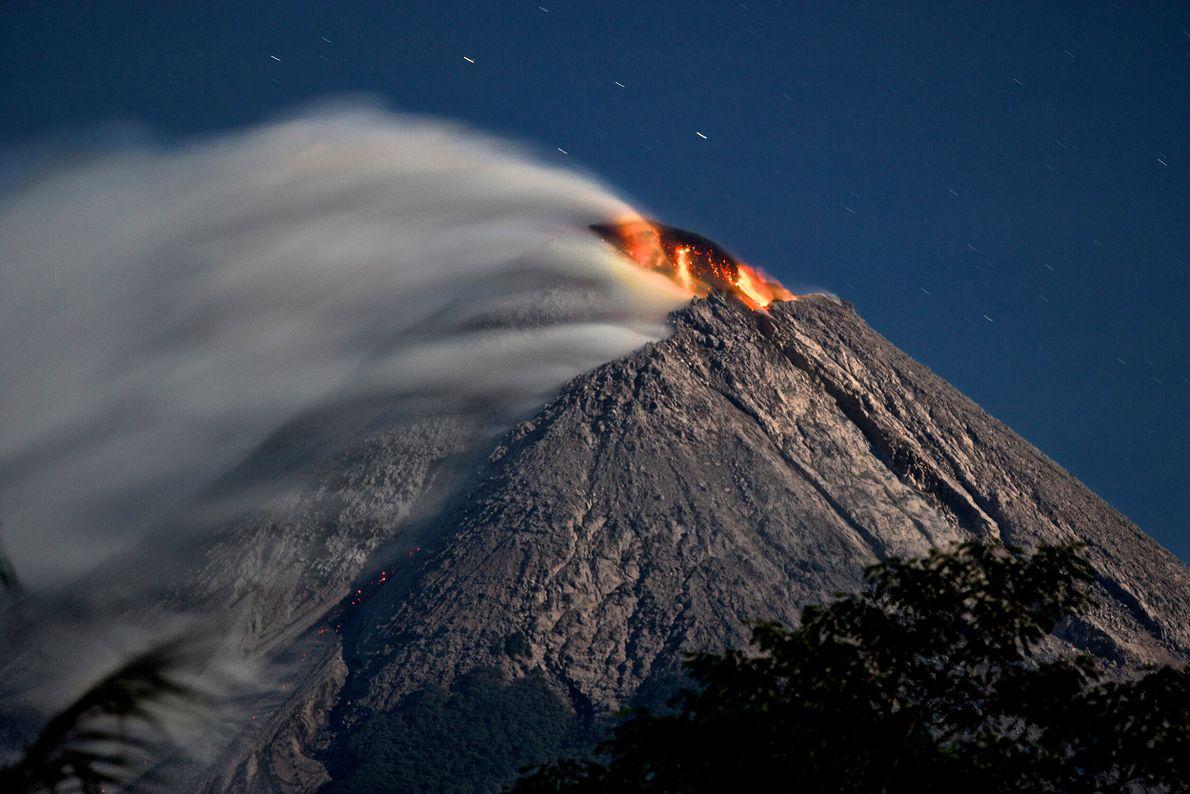 Volcanes activos Monte Merapi