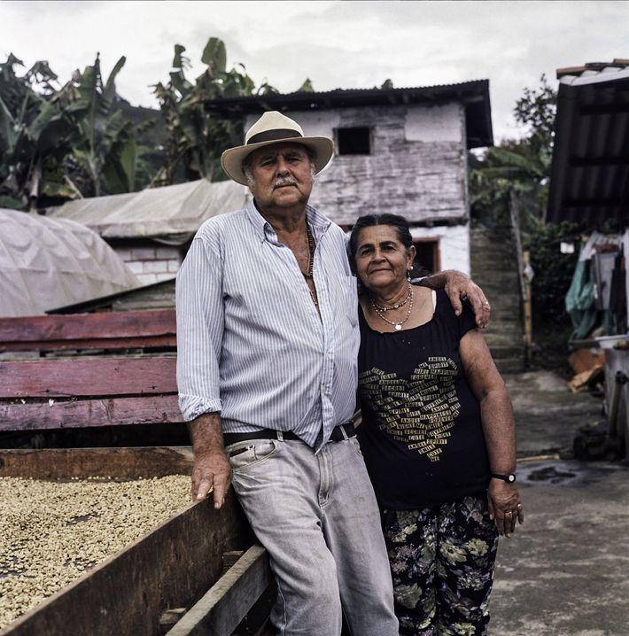 Don Fabio y su mujer, María Lindelia Jaramillo Atehortua, han dedicado sus vidas a cultivar un ...