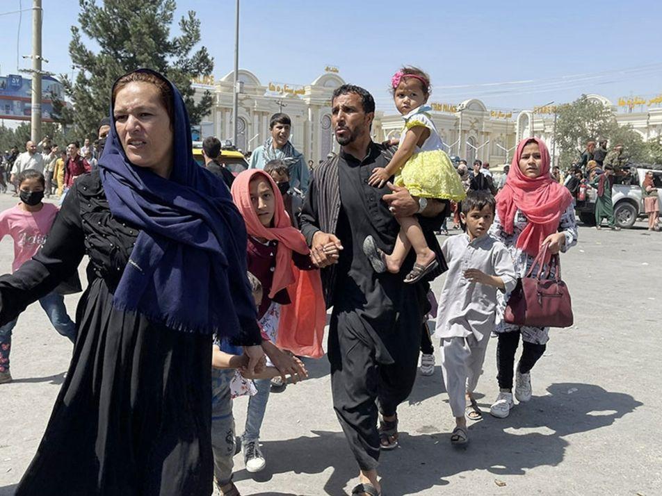 Cómo han podido los talibanes retomar el poder en Afganistán tan rápido