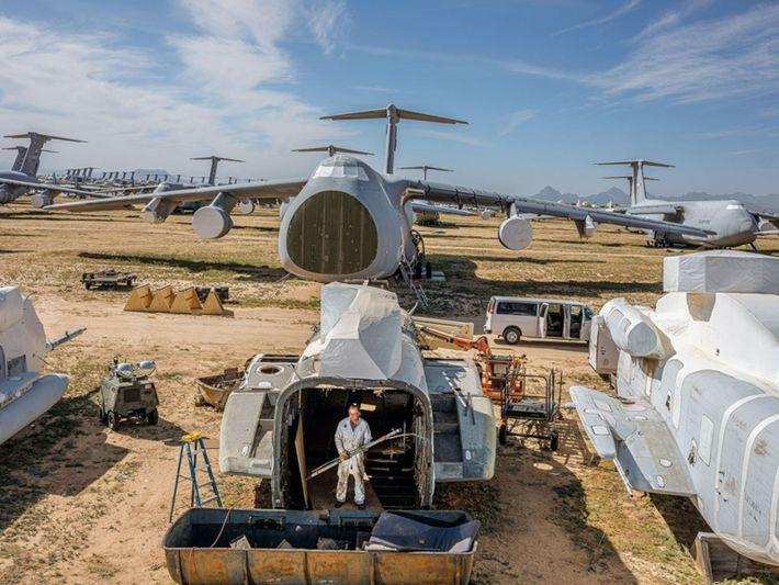Centro de desmantelamiento y reutilización de aeronaves