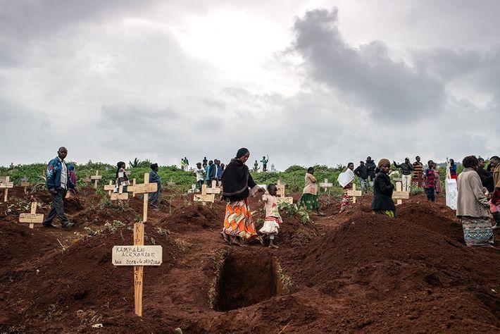 Entierro de Tabu Amuli Emmanuel