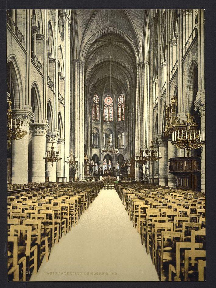 El interior de Notre Dame
