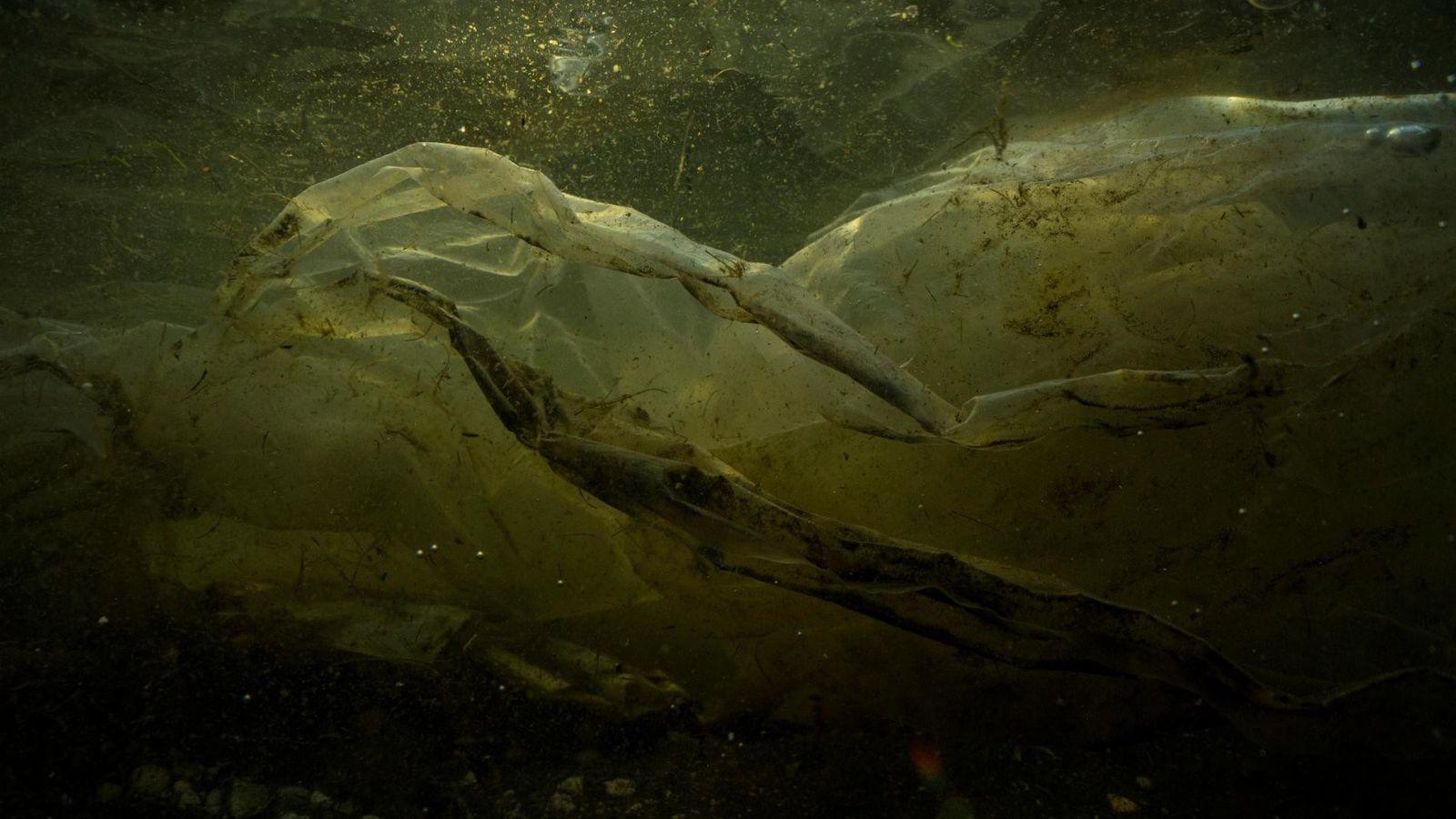 Fotografía de desechos plásticos en Filipinas