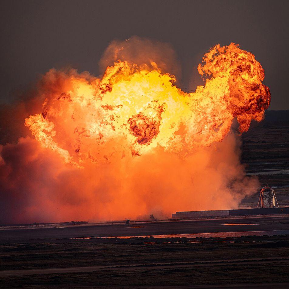 Explota el prototipo del cohete Starship de SpaceX durante un aterrizaje de prueba