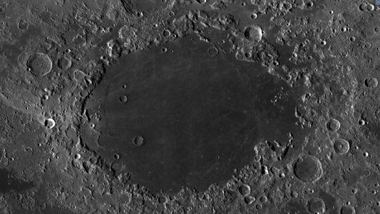 Hallan una protuberancia volcánica nunca vista en la Luna