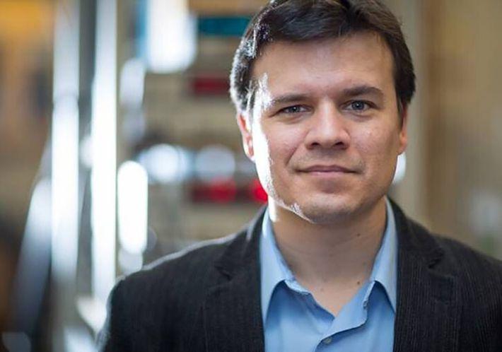 Pablo Jarillo-Herrero recibió la Medalla de la Real Sociedad Española de Física 2020 (RSEF) por sus descubrimiento ...