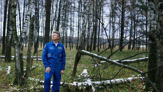 Los 879 días en el espacio que cambiaron a este cosmonauta ruso