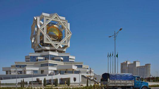 Los majestuosos edificios postsoviéticos (2)