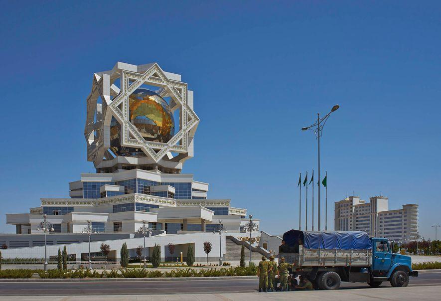 Asjabad, Turkmenistán. Palacio de la Felicidad (2011)
